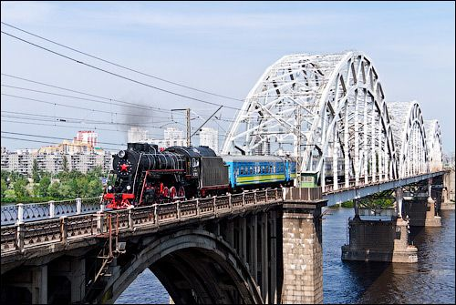 Ретро-поезд вышел в первый рейс с киевского вокзала. Фото