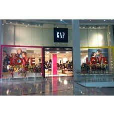 Новий магазин GAP в Ocean Plaza. Фото з відкриття