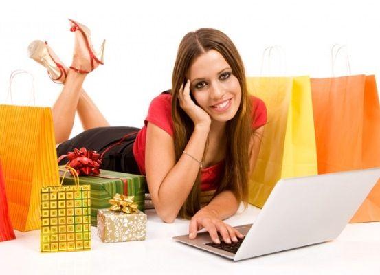 Плюсы и минусы диванного шопинга
