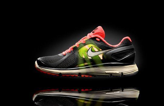 Nike випустив ультралегкі бігові кросівки Lunareclipse +2